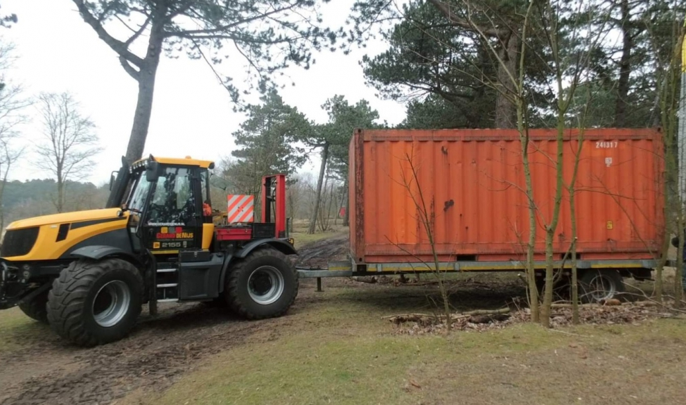 Containertransport ten behoeve van camping Bakkum 0