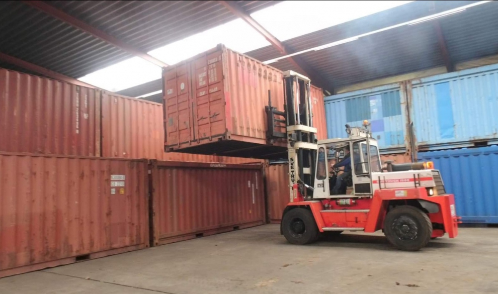 Containertransport ten behoeve van camping Bakkum 1